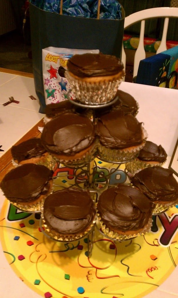 Cheesecake Filled Cupcakes