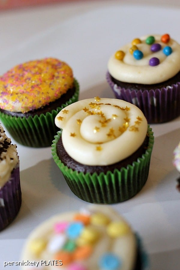 Chocolate Cupcakes Filled with Vanilla Buttercream