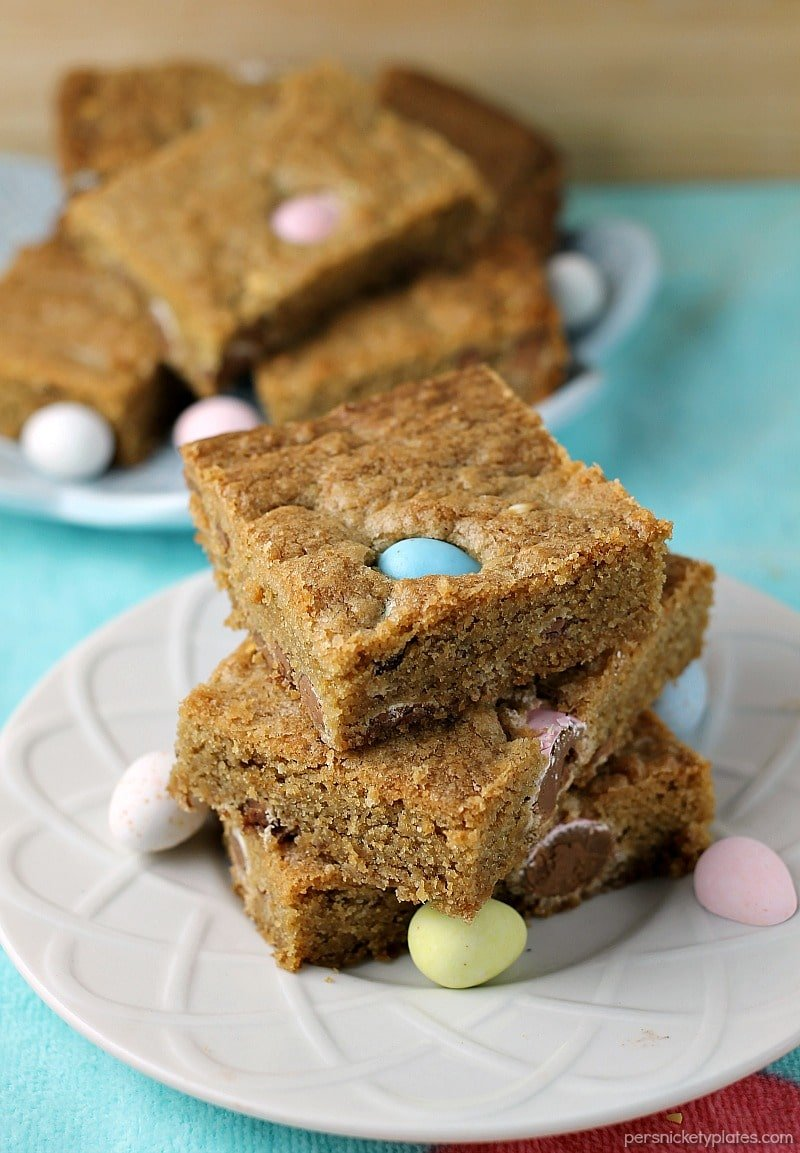 Cadbury Mini Eggs Cookie Bars » Persnickety Plates