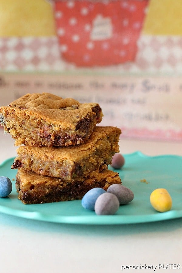 Cadbury Mini Eggs Cookie Bars | Persnickety Plates
