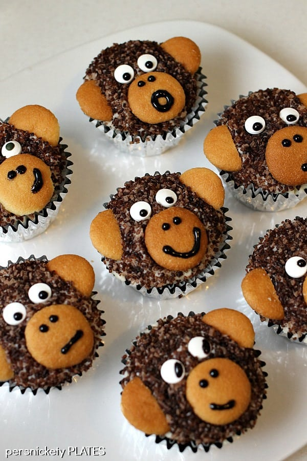 Monkey Cupcakes are such a cute dessert idea you may not want to eat them & Monkey Cupcakes » Persnickety Plates