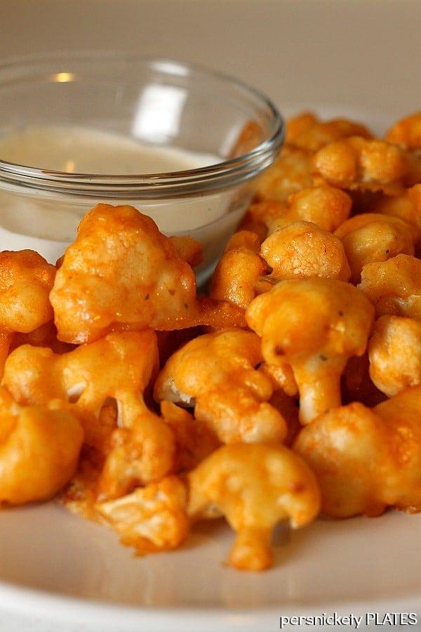 Baked Buffalo Cauliflower | Persnickety Plates