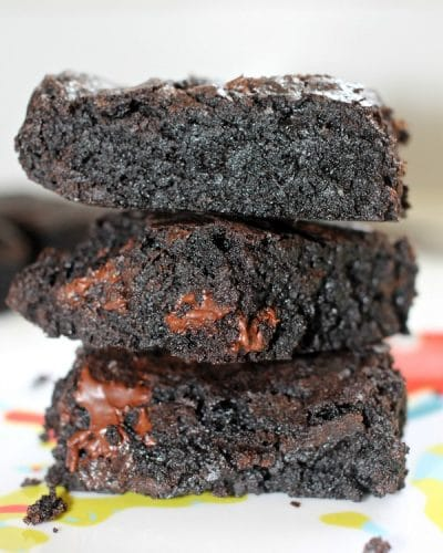 Dark Chocolate Brownies made with coconut oil instead of butter - give them a shot! | www.persnicketyplates.com