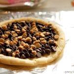 Chocolate & Peanut Butter Dessert Pizza
