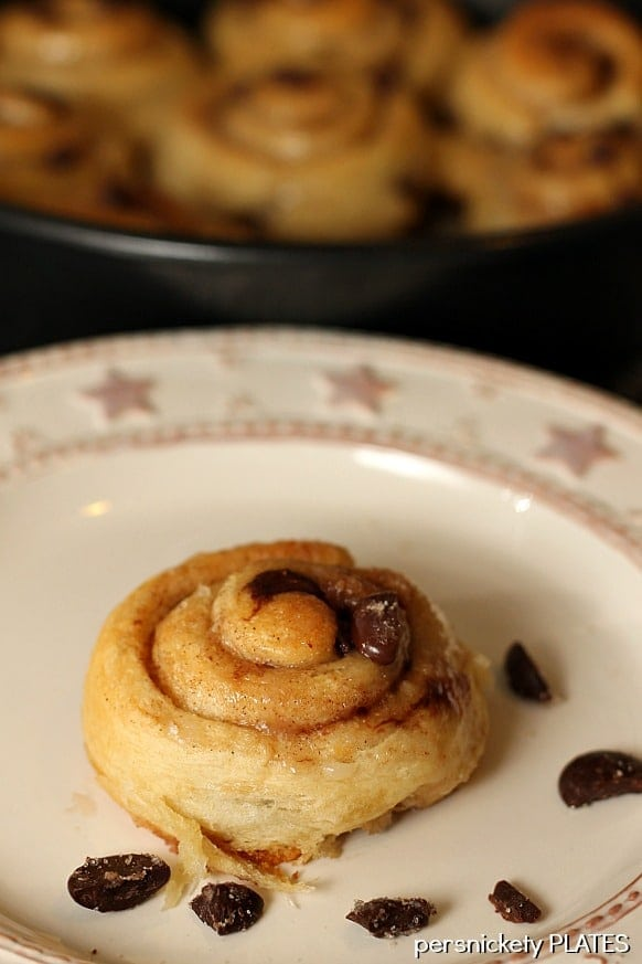 Chocolate Chip Cinnamon Rolls | Persnickety Plates