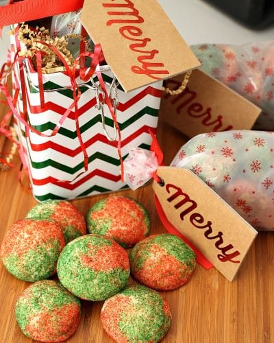 Christmasdoodles - the classic snickerdoodle made festive with red & green sugar! | Persnickety Plates