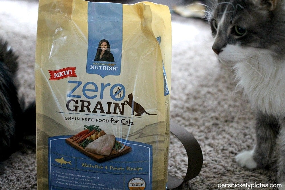 How I Know I'm a Crazy Cat Lady | Persnickety Plates #NutrishZeroGrain