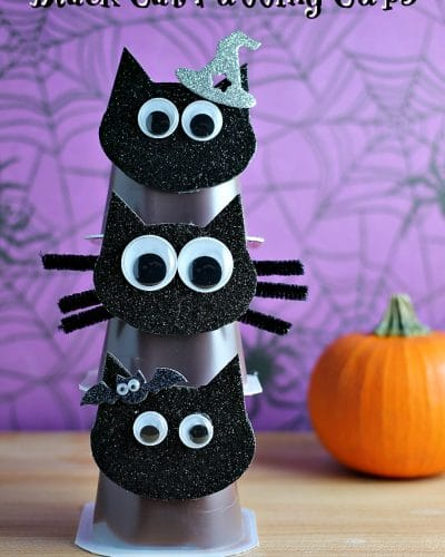 Black Cat Snack Pack Pudding Cups are perfect for Halloween parties!   Persnickety Plates #MixInMonsterMash AD