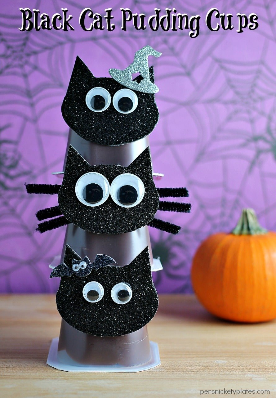 Black Cat Pudding Cups are a fun and easy way to dress up Snack Pack Chocolate Pudding Cups for Halloween! | Persnickety Plates