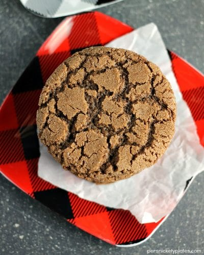 Crisp Chocolate Crinkle Cookies - a beautiful but simple chocolate cookie with crisp edges and a chewy center. | Persnickety Plates