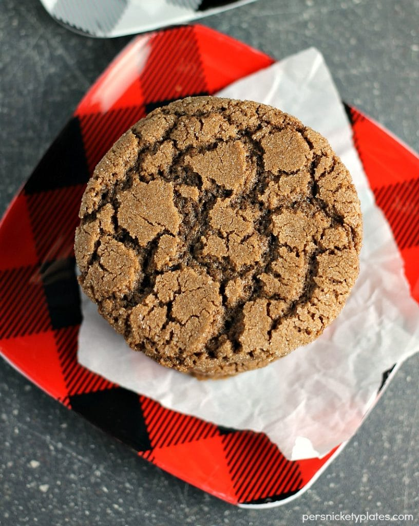 Crisp Chocolate Crinkle Cookies
