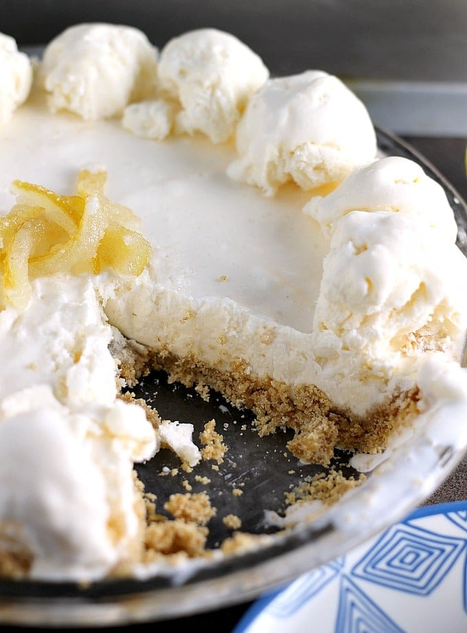 Lemonade Ice Cream Pie | Persnickety Plates