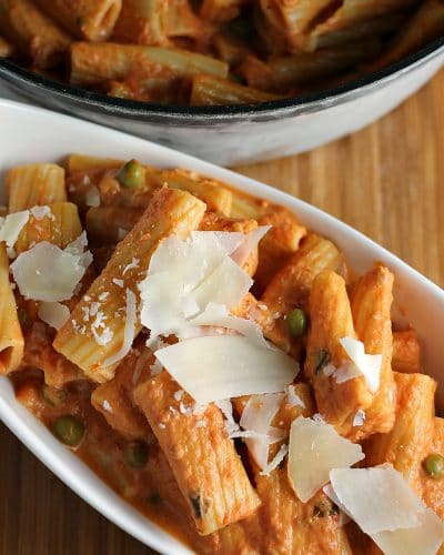 Vodka Rigatoni is creamy, comforting and easy even though it's made from scratch and it pairs beautifully with Eggplant Parmesan found in the freezer aisle. | Persnickety Plates