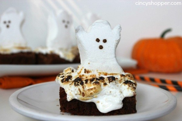 brownie topped with peeps ghost
