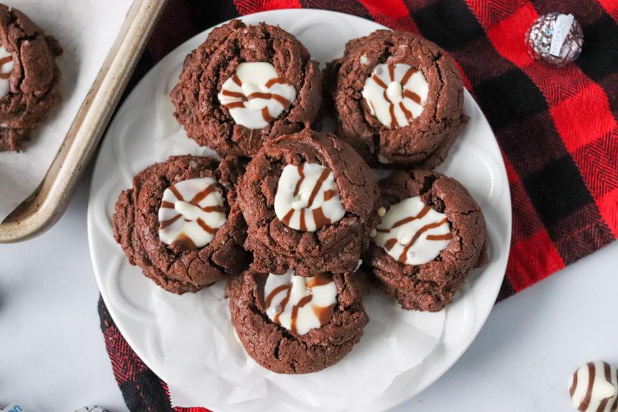 plate of fiesta fudge cookies