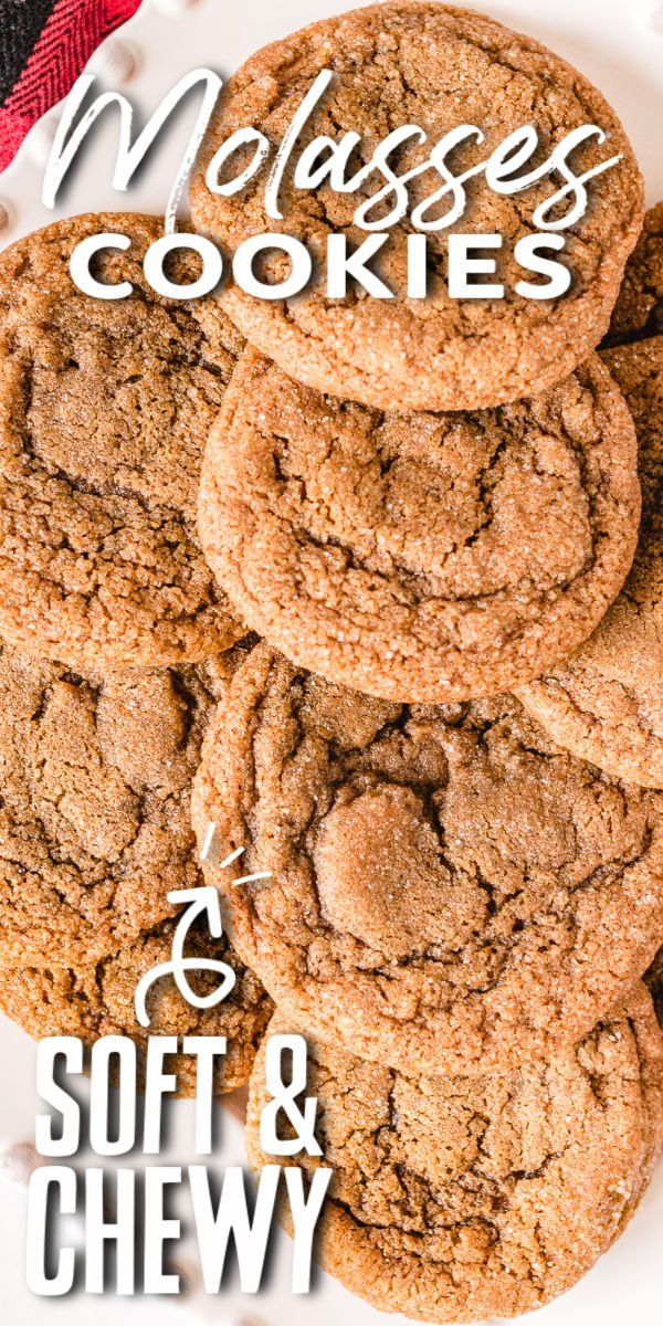 Soft and chewy molasses cookies are easy to make and even easier to eat. These perfectly spicy cookies with crinkly tops taste like Christmas!  | www.persnicketyplates.com